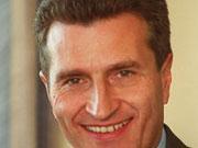 Ministerpräsident Oettinger stoppt Initiative des Kultusministers.