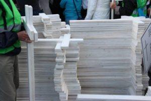 1000 weiße Kreuze, die an den Tod abgetriebener Kinder erinnern sollen. Foto: Thomas Schneider/AGWELT