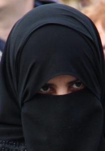 Gerichtshof erlaubt Burkaverbot in Europa. Foto: Thomas Schneider/agwelt