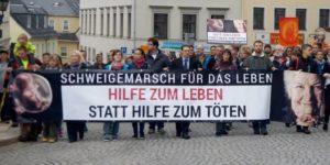 Rund 650 Christen demonstrierten für das Lebensrecht ungeborener Kinder, Alter und Kranker. Foto: Uwe Zenker
