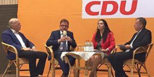 v.l.: Michael Kotsch, CDU-Fraktionsvorsitzender Guido Wolf, Birgit Kelle, Willi Funk. Foto: PR
