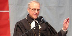 Der sächsische Landesbischof Carsten Rentzing beim Sächsischen Gemeindebibeltag. Foto: Thomas Schneider/agwelt
